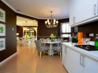 amore-at-portofino-antonello-luxury-homes-for-sale-along-daang-hari-road-dressed-up-kitchen